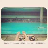 Photo taken at Swimming Pool Pacific Palace by Naomi Ludmilla R. on 7/8/2012