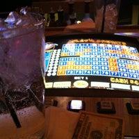 Foto tomada en Bounty Hunter por Kimberly W. el 4/21/2012