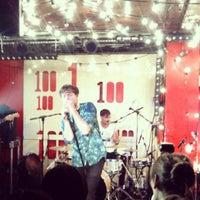 Photo prise au 100 Club par Travis T. le8/7/2012