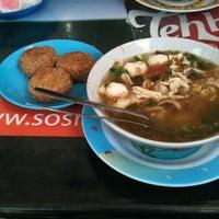 Photo taken at Dekko miesop by Putri J. on 8/11/2012