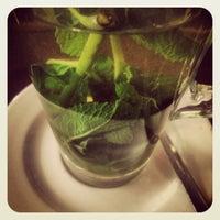Снимок сделан в Jam Café пользователем Ali P. 4/15/2012
