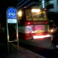 Photo taken at ป้ายรถเมล์ อโศกทาวเวอร์ by TOON ♡ on 3/8/2012