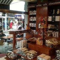 Foto tomada en Ah Cacao Chocolate Café por Isaias P. el 3/15/2012
