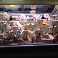 Foto scattata a Antonelli's Cheese Shop da Jennifer M. il 7/11/2012