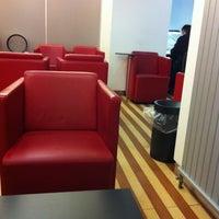 Das Foto wurde bei DB Lounge von Mathias am 2/11/2012 aufgenommen