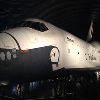Photo prise au Space Shuttle Pavilion at the Intrepid Museum par Ryan M. le7/19/2012