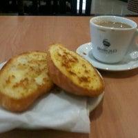 Photo taken at Churrascaria e Pizzaria Savana by Camila P. on 3/26/2012