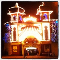 Photo taken at Luna Park by Humphrey on 2/11/2012