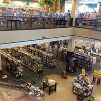 Photo taken at Barnes & Noble by Daniel S. on 8/14/2012