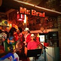 Photo taken at Mr. Brad Food e Drinks by Flavio T. on 8/18/2012