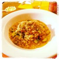 Foto tirada no(a) Goshala Cozinha Natural Contemporânea por lele em 5/17/2012