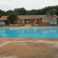 Photo taken at Tesoriere Swimming Pool by (G)AREE(B) on 4/27/2012