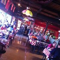 Foto diambil di Prince Pizzeria oleh Steve G. pada 7/13/2012