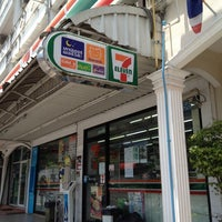 Photo taken at 7-11 หลังบิ๊กซี by Adriano T. on 4/2/2012