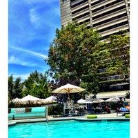 Foto tirada no(a) W Los Angeles - West Beverly Hills por jon p. em 7/10/2012
