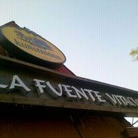 Foto tomada en La Fuente Vitacura por Alejandro J. el 3/19/2012