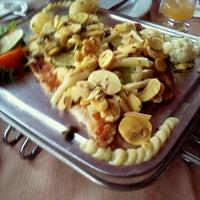 Foto tirada no(a) Restaurante Vieira's por Lucas S. em 3/25/2012