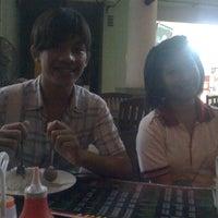 Photo taken at Sala Thai Restaurant by Joshua@J.J (. on 4/20/2012