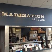 3/5/2012 tarihinde Julianne G.ziyaretçi tarafından Marination Station'de çekilen fotoğraf