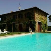 Foto diambil di Villa La Pometa oleh Egon pada 7/1/2012