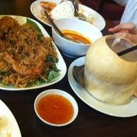 Photo taken at Pormtip Thai Restaurant by Abe jiji on 5/15/2012