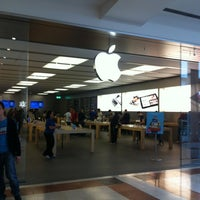 Photo taken at Apple Oriocenter by Vito P. on 6/12/2012