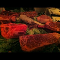 Photo taken at Pete Miller's Evanston by Nob S. on 5/10/2012