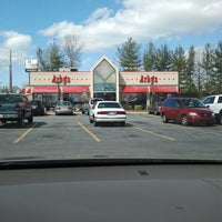 Photo taken at Arby's by blue t. on 3/5/2012