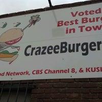 Снимок сделан в Tioli's Crazee Burger пользователем Jen C. 4/22/2012
