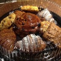 Снимок сделан в The Conservatory for Coffee, Tea & Cocoa пользователем Doug G. 5/9/2012