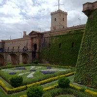 Photo taken at Castillo de Montjuic by José V. on 4/22/2012
