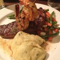 Foto tomada en The Hot House Restaurant & Bar por Giselle el 7/7/2012