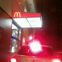 Photo taken at McDonald's by Enilton F. on 4/25/2012