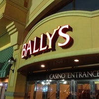 Photo prise au Bally's Casino & Hotel par Samson D. le8/4/2012