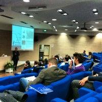 รูปภาพถ่ายที่ Centro Conferenze alla Stanga โดย Fabio S. เมื่อ 4/13/2012
