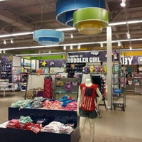 Photo taken at Old Navy by ShayReavel P. on 6/22/2012