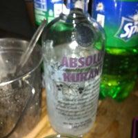 Foto scattata a Oasis Bar and Grill da Renz P. il 6/30/2012