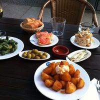 Das Foto wurde bei Bar Raval von Monica Z. am 6/9/2012 aufgenommen