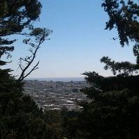 Снимок сделан в Strawberry Hill пользователем Rebe G. 4/21/2012