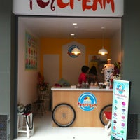 Photo taken at Icycream ไอศครีมเกล็ดหิมะ by tOttA F. on 9/1/2012
