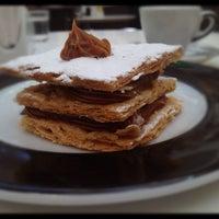 Foto tirada no(a) Press Café por Alessandro Q. em 7/15/2012