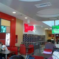 Photo taken at Wendy's by Maxi L. on 3/30/2012
