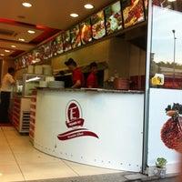 6/24/2012 tarihinde Abdullah D.ziyaretçi tarafından Taşhan Et & Restaurant'de çekilen fotoğraf