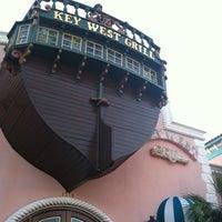 Foto scattata a Key West Grill da Kyle O. il 3/4/2012