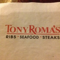 Photo taken at Tony Roma's: Ribs, Seafood & Steaks by Ilse B. on 8/29/2012