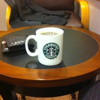 Photo taken at Starbucks by Naritomo K. on 4/26/2012