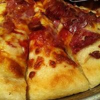 Photo taken at Pizza Hut by Gelder G. on 4/9/2012