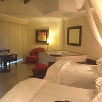Photo taken at The Royal Resort by Tavo M. on 8/27/2012