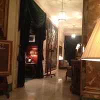 Photo taken at Hôtel Westminster by Franklin F. on 5/21/2012