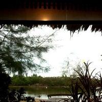 รูปภาพถ่ายที่ ปากคลองซีฟู้ด โดย ITubes เมื่อ 5/26/2012